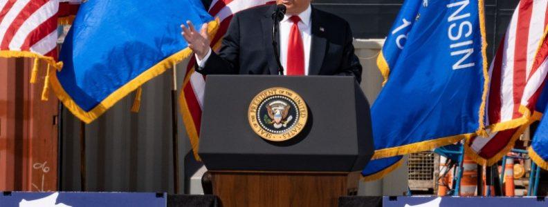 Donald Trump Mencabut Status Ekonomi Hong Kong dan Memberi Sanksi Kepada Cina